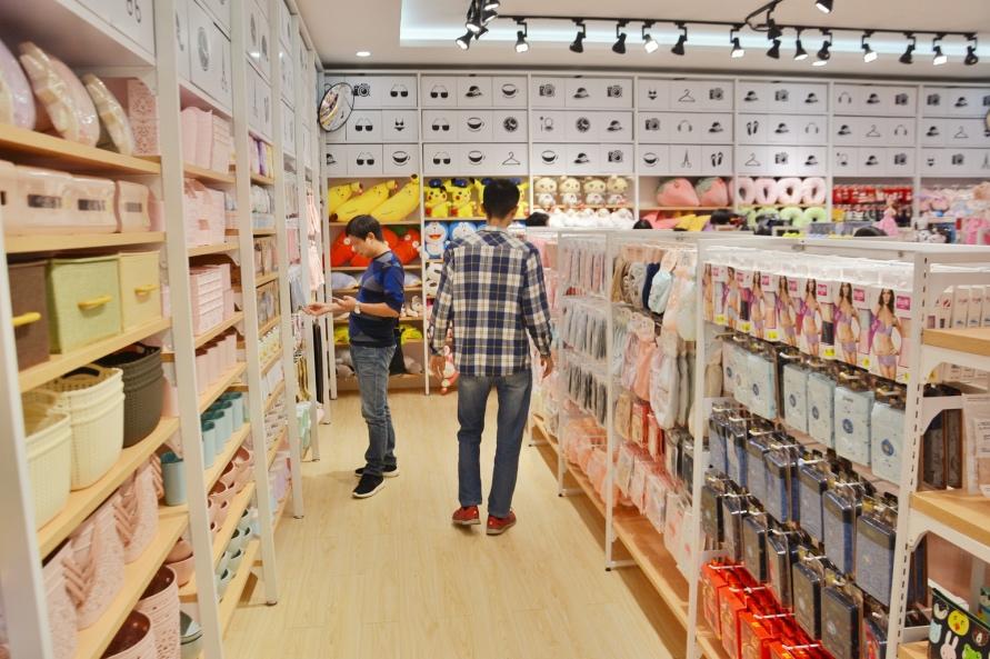 时尚百货店一般都在哪里进货?