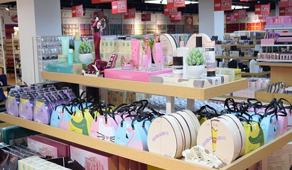 创业开精品百货店有哪些方面要注意?