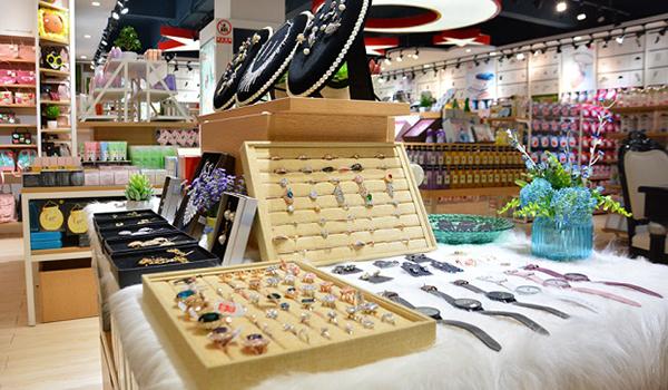 经营小饰品店要怎么做生意才更好?